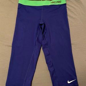 Nike Pro Capri-length tights